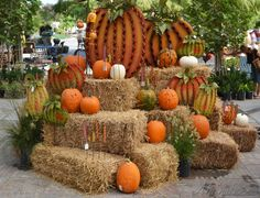 Another fall display - All For Garden Fall Festival Decorations, Halloween Yard Decorations, Fall Decorations, Pumpkin Display, Autumn Display, Fall Displays, Harvest Party, Fall Harvest, Hay Bale Decorations