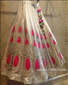 saree indian dress, designer sarees,  ladies salwar kameez@ http://ladyindia.com