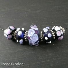 Spang met homemade lampwork glaskralen van irenesKralen op DaWanda.com