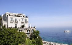 http://www.telegraph.co.uk/travel/destinations/europe/italy/articles/the-50-best-hotels-in-italy/