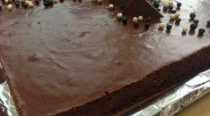 entremet chocolat avec biscuit au chocolat, praliné feuilleté et mousse au chocolat