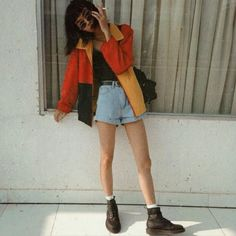 90s | High waist | Shorts | Brown boots | Grunge | Jacket | Black | Belt | Sunglasses | Round | Cute | Casual | Summer | Fall | Winter | Spring |