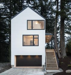 Waechter Architecture is a full-service architecture firm located in Portland, Oregon. Living Haus, Small Modern Home, Street House, Small House Plans, Modern House Design, Narrow House Designs, Modern Architecture, Pavilion Architecture, Japanese Architecture