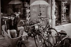 Regard embarqué ! | by Glance & Street Photographer