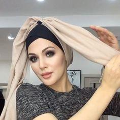 """Зайнаб Сапарова& on Instagram: """"Всем привет ☺️Новый способ как завязать тюрбан ! Придумала сама , надеюсь кому- нибудь пригодится Шарфик заказала у @hadidjamuradova_ …"""""""