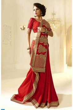 Look flawless in this eed georgette brocade saree #womenfashion #womensarees #onlinewomensarees #georgettesarees #independencedayoffers Buy now-  https://trendybharat.com/offer-zone/offer-alert/independence-day-sale/red-georgette-saree-swaraagini1608