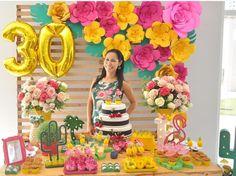 30 añod Moana Birthday Party, Hawaiian Birthday, 13th Birthday Parties, Flamingo Birthday, Luau Birthday, Flamingo Party, Summer Birthday, Adult Luau Party, Tropical Party