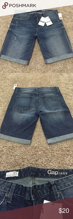 Gap skinny Bermuda shorts Gap denim skinny Bermuda shorts. Brand new with tags, never worn. Paid $30. Smoke free home. Gap Shorts Bermudas