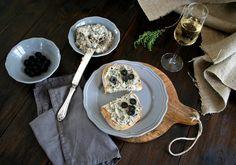 Nátierka z vareného kuracieho mäsa s čiernymi olivami