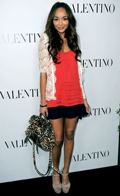 Ashley Madekwe  0  Spotted: The Revenge actress carried Mulberry's $3,150 Alexa bag in Beverly Hills.