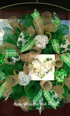 Items similar to St. Patrick's Day wreath \ Front door wreath \ Shamrock wreath \ Irish wreath \ Deco mesh Wreath \ Lucky \ Wreaths \ St Patrick's day decor on Etsy St Patrick's Day Decorations, Christmas Decorations, Holiday Decor, Wreaths For Front Door, Door Wreaths, Wreath Crafts, Wreath Ideas, Mesh Wreath Tutorial, Mothers Day Wreath