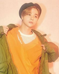 Discover recipes, home ideas, style inspiration and other ideas to try. Chanwoo Ikon, Kim Hanbin, Ikon Debut, Group Pictures, Kpop Aesthetic, Yg Entertainment, Aesthetic Pictures, K Idols, Beret
