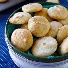 Fitness toasty ve vaječném županu 20 Min, Cornbread, Hamburger, Biscuits, Fitness, Food And Drink, Sweets, Baking, Ethnic Recipes