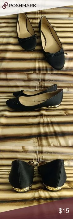 Simple Zara Basic Black Ballet Flats Size 37 simple Zara Basic black Ballet flat with a bow detail on the toes and hold ton pyramids around the heel. They would be a great work shoe Zara Shoes
