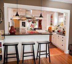 awesome 38 Modern European Farmhouse Kitchen Cabinet Ideas #traditionalkitchens