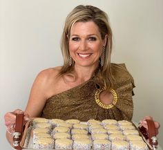 Queen Maxima of the Netherlands has delighted royal fans by sharing her mother's recipe for her Argentine alfajores, which she made during lockdown birthday celebrations in The Hague. Likes Facebook, Kate Middleton, Fitness Queen, Royal Recipe, Mother Recipe, Baking Accessories, To My Mother, Queen Maxima, No Bake Cookies