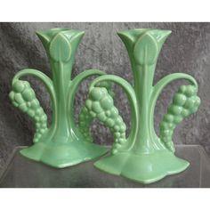 Cowan Pottery Grape Candlesticks Green, Ca. Mccoy Pottery Vases, Roseville Pottery, Blue Pottery, Ceramic Pottery, Pottery Art, Ceramic Art, Vintage Vases, Vintage Pottery, Vintage Ceramic