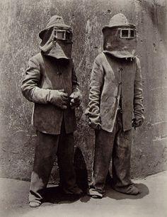 Manuel Alvarez Bravo, Trabajadores del Fuego, (the fire workers), 1934