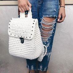 Рюкзак ванильного цвета выполн