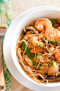 Shrimp lo mein - Skip the take out and make this simple and authentic Chinese dish at home!