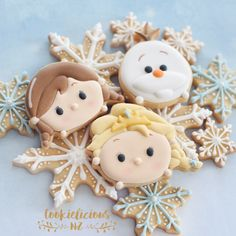 Frozen tsum tsum cookies ☺️So who is your favorite? Elsa, Anna or Olaf? Also seeing how freezing we have been for the past couple of… Olaf Cookies, Easter Cookies, Birthday Cookies, Cupcake Cookies, Sugar Cookies, Sweet Cookies, Frozen Disney, Elsa Frozen, Frozen Birthday Party