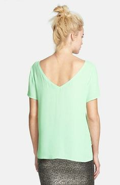 Fresh style for summer - Mint v-back chiffon tee