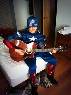 Calum as Captain America?! *Sings* These are a few of my favorite things!!