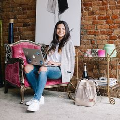 Meet NYC Tastemaker @dani_beckerman founder and CEO of #jarsbydani this entrepreneur-about-town is sharing her style secrets and favorites from our summer collection today. Follow along to see what she is loving right now and then head over to KennethCole