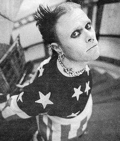Keith Flint - The Prodigy #Firestarter The Prodigy is an amazing band. Really interesting music, with really unique uses for random instruments