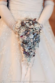 Large cascading fantasy wedding brooch bouquet, brides jewel bouquet, broach bouquet, harry potter wedding, lord of the rings wedding fairy https://www.etsy.com/uk/listing/267517829/large-cascading-fantasy-wedding-brooch More