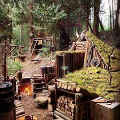 Bushcraft Camping, Camping Survival, Outdoor Survival, Survival Prepping, Outdoor Camping, Camping Outdoors, Survival Shelter, Survival Life, Wilderness Survival