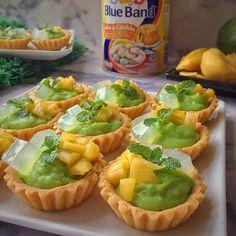 Crispy and Soft Es Teler Pie Recipe in .- Resep Pie Es Teler (Es Teler Tart) Yang Renyah dan Lembut di Mulut Crispy and Soft Es Teler Tart recipe in the mouth - Box Cake Recipes, Tart Recipes, Baking Recipes, Snack Recipes, Dessert Recipes, Cokies Recipes, Fruit Recipes, Baking Ideas, Cheesecake Recipes