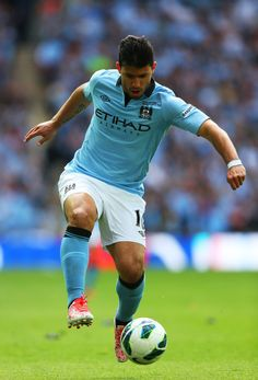 Soccer Tips. One of the greatest sports on earth is soccer, also referred to as football in numerous countries around the world. Football Drills, Football Icon, Football Boys, Soccer World, World Of Sports, City Of Manchester Stadium, Sergio Aguero, Kun Aguero, Sports Picks