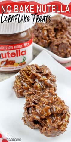 this one to your favorite Nutella recipes, No Bake Nutella Cornflake treats so easy to make your family is going to love it.Add this one to your favorite Nutella recipes, No Bake Nutella Cornflake treats so easy to make your family is going to love it. Köstliche Desserts, Delicious Desserts, Dessert Recipes, Yummy Food, Tasty, Desserts Nutella, Nutella Cake, Cornflake Recipes, Cornflake Cake