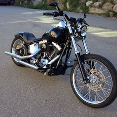 Harley Davidson Roadster, Harley Davidson Custom Bike, Harley Davidson Motorcycles, Custom Motorcycles, Custom Bikes, Motorcross Bike, Bobber Motorcycle, Custom Bobber, Custom Harleys