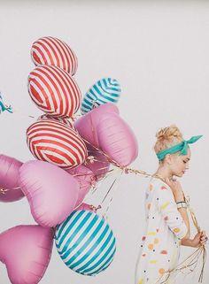 Avec nos jolis ballons rayés http://mysweetboutique.bigcartel.com/product/ballon-geants-rayes
