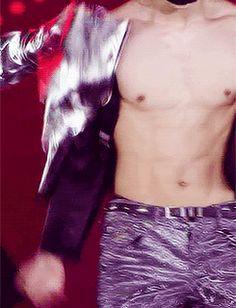 OMG Taemin you're killing me.