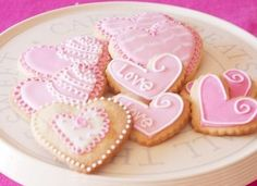 pink love cookies.