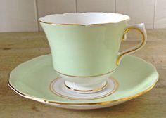 Antiquité. Collection. Tasse à thé et soucoupe. Angleterre. | art, collectibles | Lévis | Kijiji Mobile