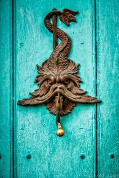 Fish style door knocker Cartagena de Indias (Colombia) David Juan