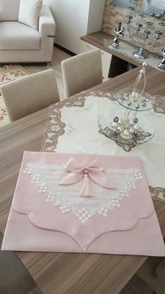 This Pin was discovered by İsm Baby Knitting Patterns, Crochet Patterns, Muslim Prayer Mat, Sewing Blouses, Stylish Clothes For Women, Needle Lace, Leather Bags Handmade, Bargello, Filet Crochet