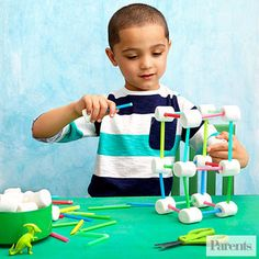 Let your child construct a sweet masterpiece: All you need are marshmallows and plastic straws cut in different sizes.