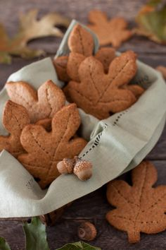 Whole Wheat Maple Graham Cookies, in sweet #fall shapes!