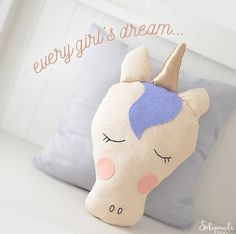 Magically Inspiring Unicorn Crafts, DIYs, Foods and Gift Ideas: Unicorn Pillow Pattern from Solipandi Costura Diy, Unicorn Themed Birthday Party, Unicorn Pillow, Unicorn Crafts, Unicorn Decor, Teenage Girl Gifts, Fabric Toys, Sewing Pillows, Easy Sewing Patterns