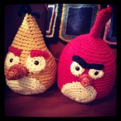 Angry Birds amigurumi - via handmade by stefanie blog. Includes link to free crochet patterns on Ravelry!