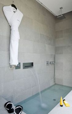 Beautiful Roman Style Bathtub Faucet 43 Tubs In The Floor Modern Bathroom Bathroom Interior, Modern Bathroom, Small Bathroom, Bathroom Tubs, Concrete Bathroom, White Bathrooms, Luxury Bathrooms, Master Bathrooms, Dream Bathrooms