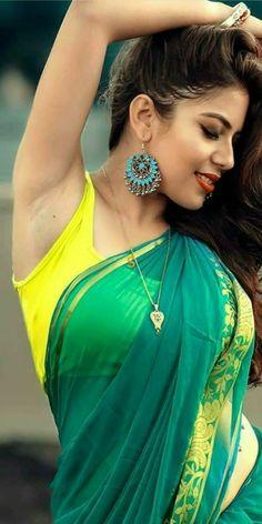 Beautiful Girl Indian, Most Beautiful Indian Actress, Beautiful Girl Image, Beautiful Saree, Beautiful Actresses, Beautiful Women, Beauty Full Girl, Beauty Women, Vidya Balan Hot