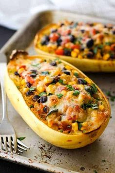 Squash Burrito Bowls Spaghetti Squash Burrito Bowls are a hearty vegetarian dinner for two. Cheesy, flavorful, and stuffed with healthy veggies - enjoy comfort food that's actually good for you!Spaghetti Squash Burrito Bowls are a hearty vegetarian dinner Healthy Meal Prep, Healthy Dinner Recipes, Mexican Food Recipes, Cooking Recipes, Vegan Recipes, Vegetarian Meals, Vegetarian Spaghetti Squash Recipes, Healthy Food, Health Food Recipes