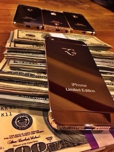 This one ☝ rich lifestyle, luxury lifestyle, cash money, my money, extra Gold Money, My Money, Extra Money, How To Make Money, Cash Money, Money Pics, Cash Cash, Luxury Lifestyle Women, Rich Lifestyle