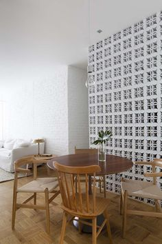 Brazilian architecture studio Alan Chu have renovated an apartment in São Paulo. The project was named 'Ap Cobogó' due to the traditional ceramic blocks (Cobogós) that were used in the renovation. Thanks to the modernist Brazilian architects Lúcio Costa and Oscar Niemeyer, the Cobogós became popular and began to be used as an interior element in 1930s. By then, the Cobogós were made of cement only. With its popularization started to be molded with other materials such as clay, glass…